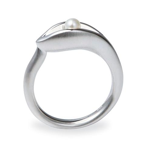 Grevillea-ring-pearl-designer-silver-Stephen-Dibb-Jewellery-jewelry-store-brisbane.jpg